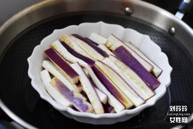 蒜末豆豉蒸茄子的做法 茄子不变色不吸油 吃了还想吃3
