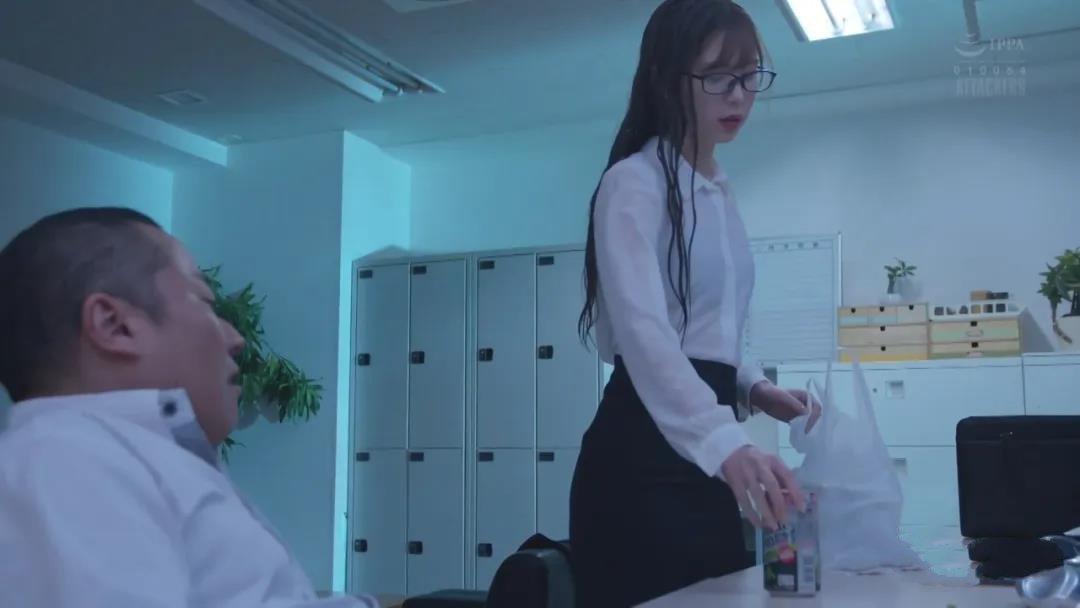 ATID-421明里紬:一个不害臊的姑娘剧情图