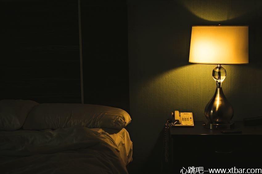 0085j6oIly1ghuyr96ullj30nm0frdgi - [日本短片恐怖故事]古老破旧酒店的一通鬼来电