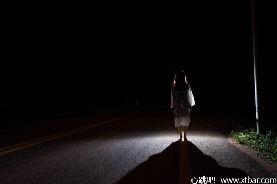 0085j6oIly1giorn9wnu8j30p00gowf6 - [心跳吧恐怖故事]:回家的路