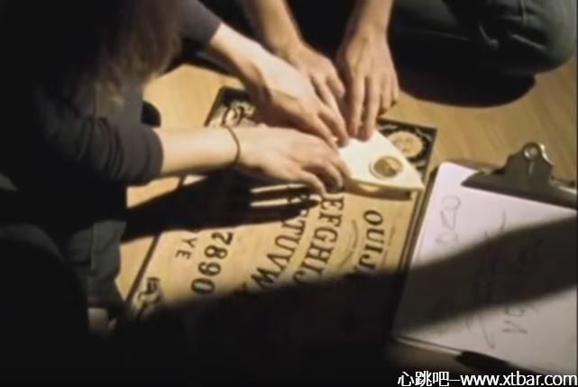 0085j6oIly1giu02821onj30ht0bydgf - [心跳吧恐怖课堂]:通灵板游戏怎么玩?