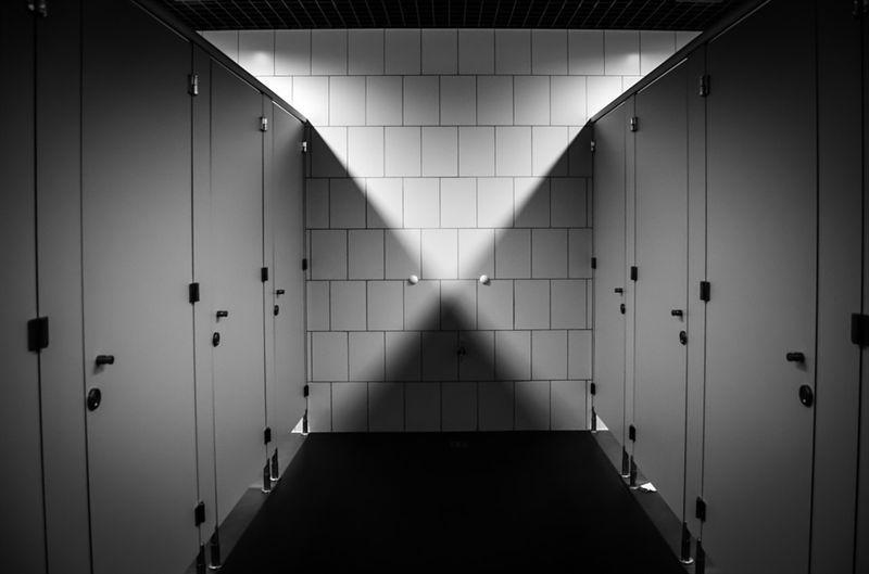 0085j6oIly1gjhzsyp0jhj30m80epjs0 - [心跳吧恐怖故事]:厕所里的男人