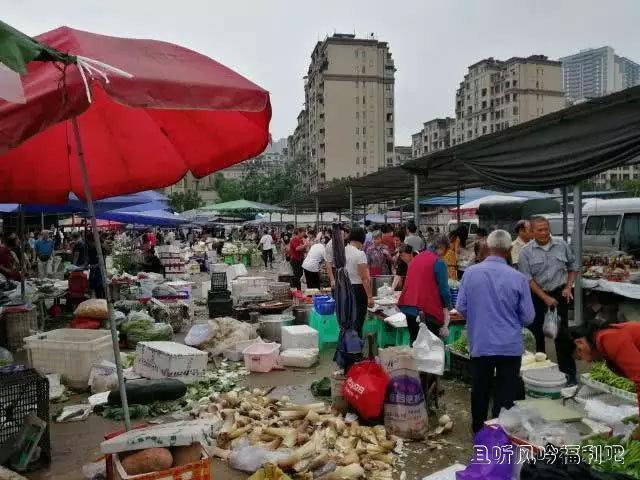 重庆渝北礼嘉赶场:简陋的场地和高大上的城建1