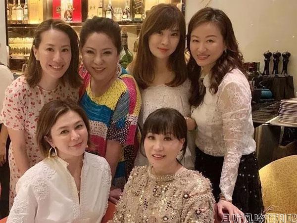 56岁甄子丹庆生,关之琳郑秀文众女星争艳却输给了她