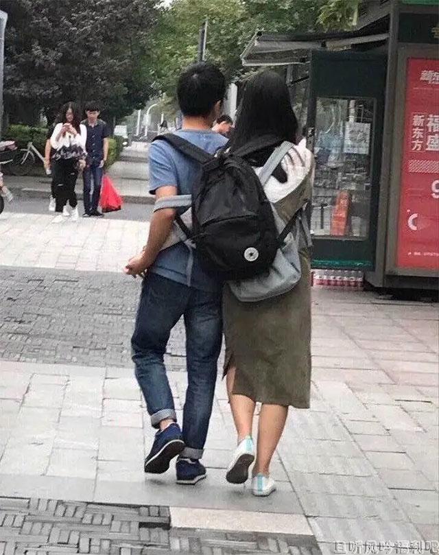 现在的年轻情侣,去开个房间不是更香吗?