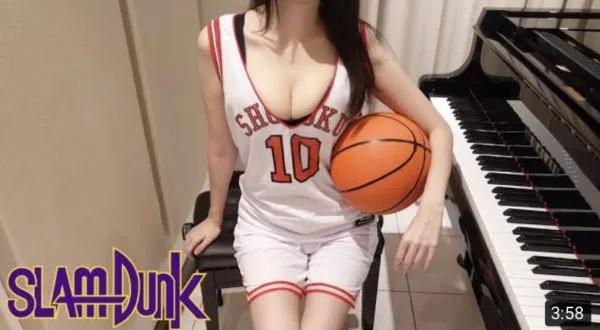 无聊图片:我想看你打篮球你却去弹钢琴