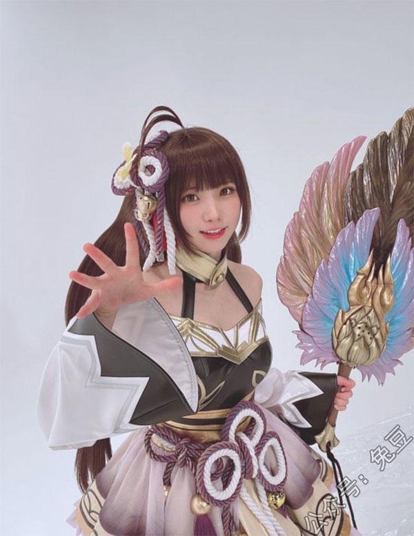 日本美女COSER Enako