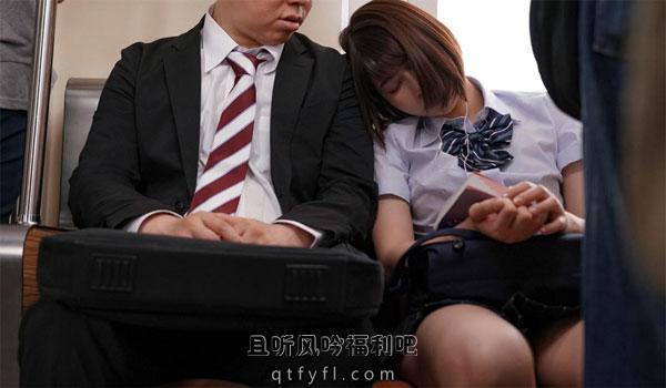唯井真寻(唯井まひろ)作品 她看到他和她靠在一起