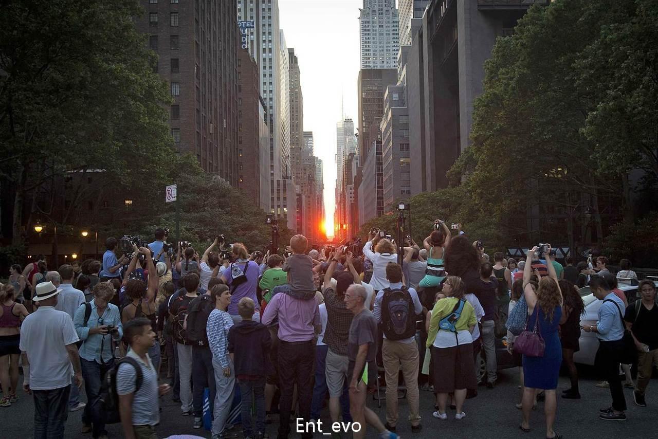2014年7月11日曼哈顿悬日的围观群众