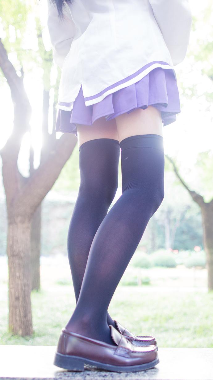 黑丝少女的紫色水手服 清纯丝袜