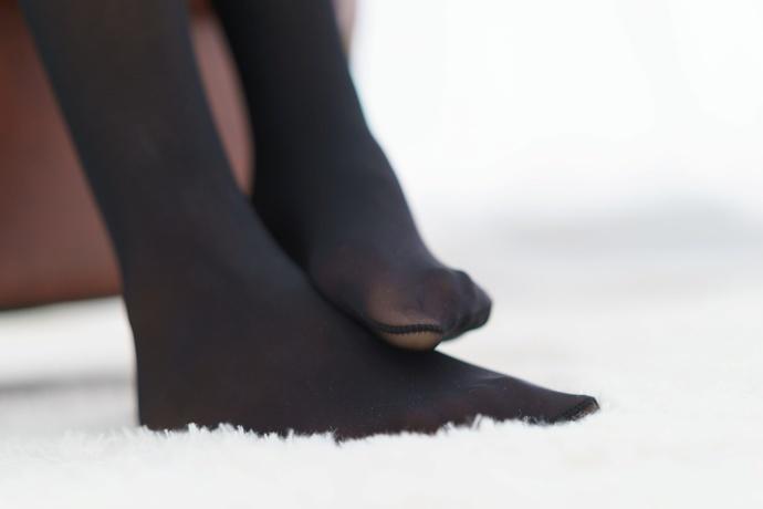 翘脚趾的黑丝姑娘 清纯丝袜