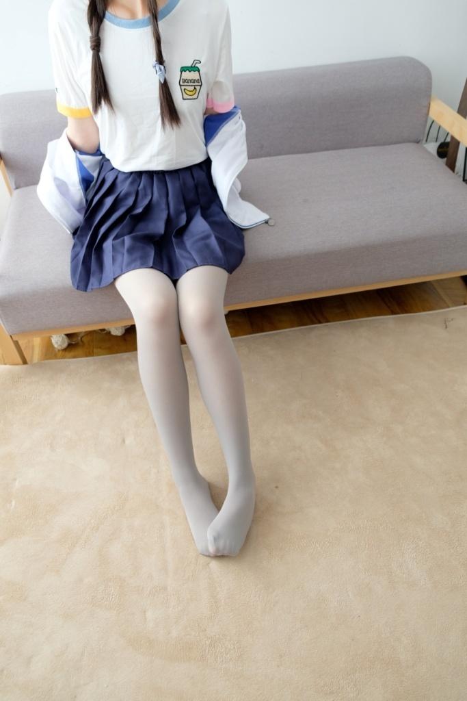 穿初中校服的妹妹 清纯丝袜