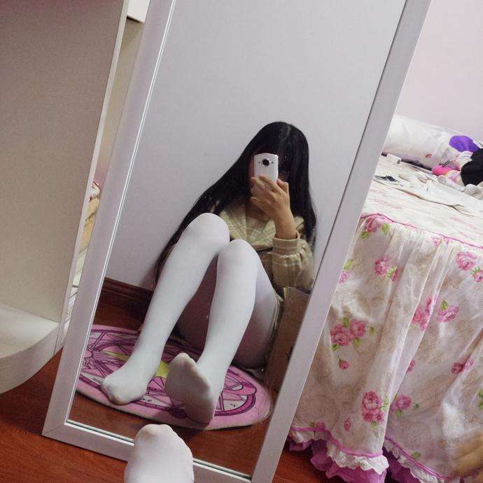 白丝腿控小萝莉 清纯丝袜