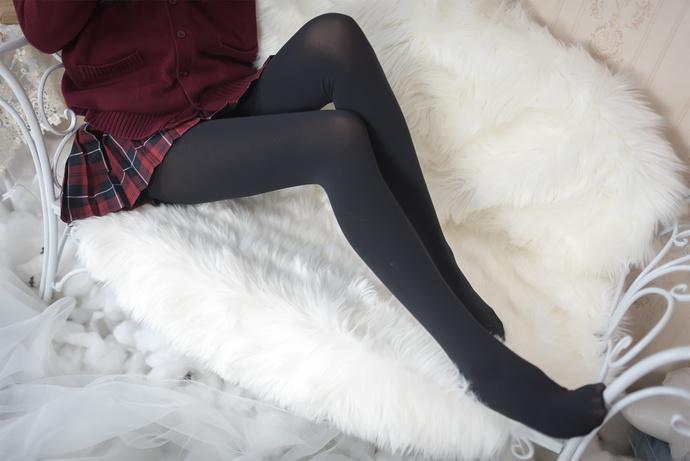 黑丝百褶裙你喜欢吗