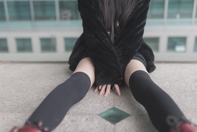令人羡慕的细腿小姐姐 清纯丝袜