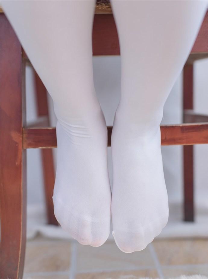白丝足控福利写真 清纯丝袜