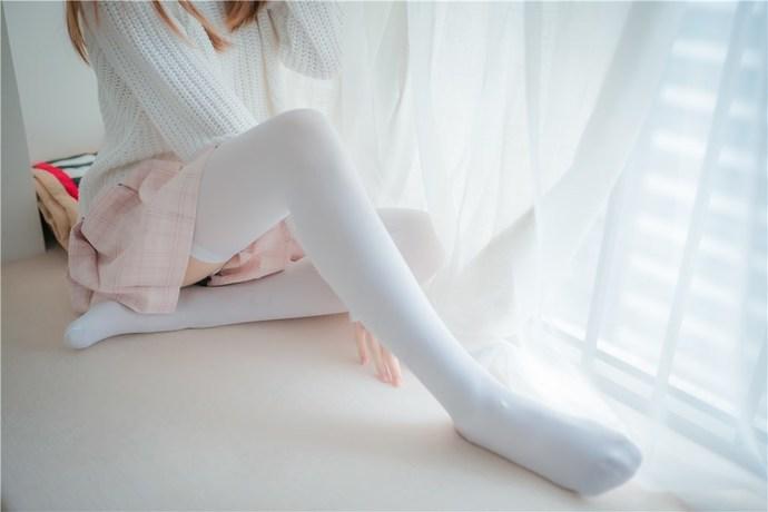 粉格裙的眼镜娘 清纯丝袜