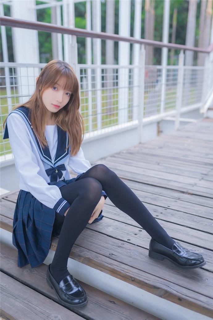 小清新少女的水手服 清纯丝袜