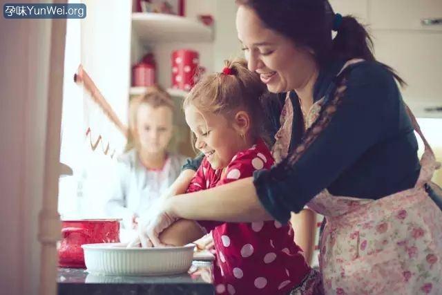 孩子每次做家务妈妈都给1块钱,到了18岁结果…