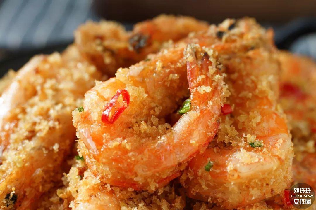 避风塘香酥虾的做法 香到让你连虾壳都吃完!12