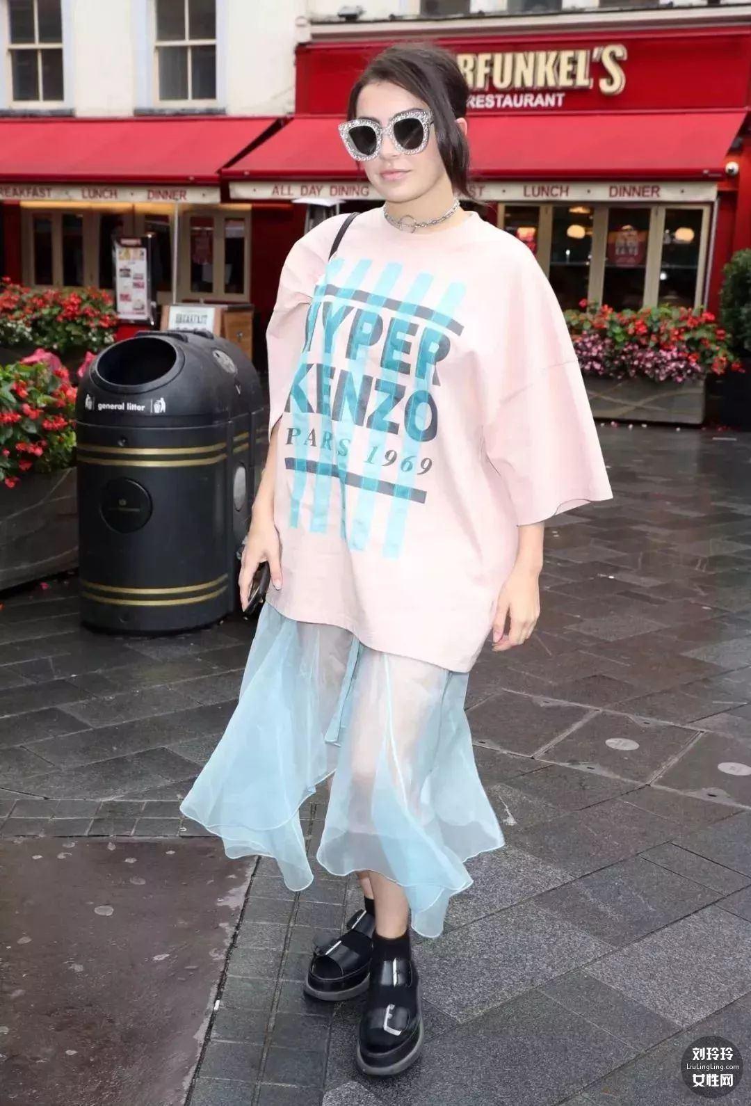 T恤和半裙就搞定整个夏天的美丽!25