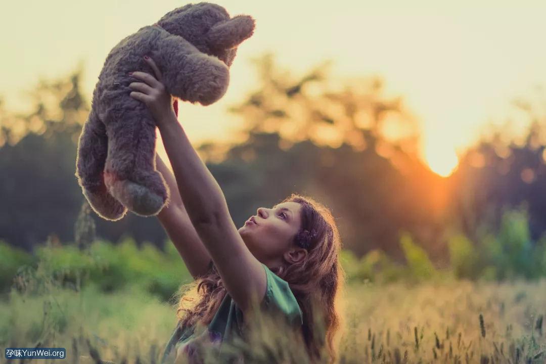 孩子小时候难带 长大后可能很有出息!1