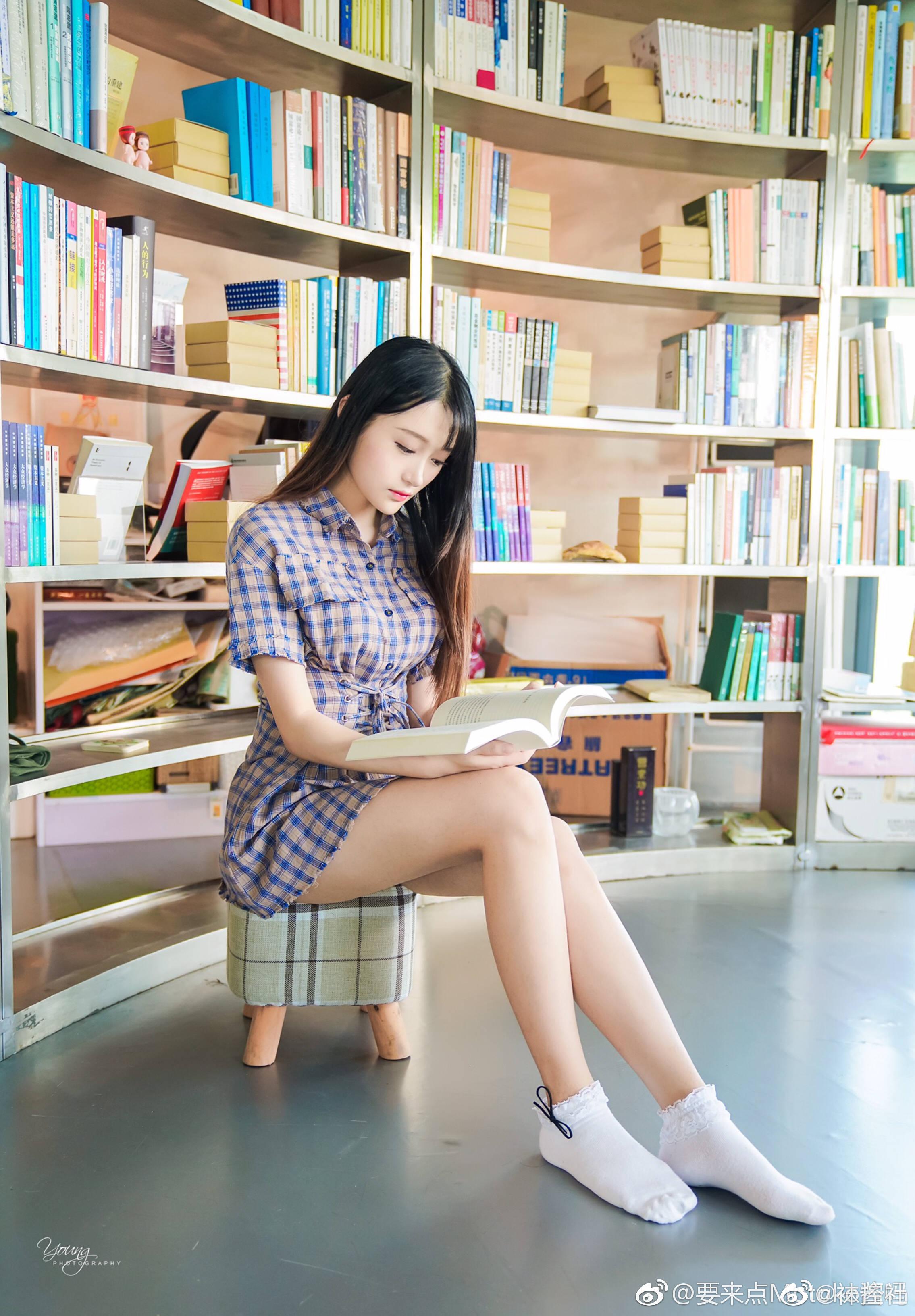 【美女图片】丝袜、大长腿、coser、萌妹与欧派第九期