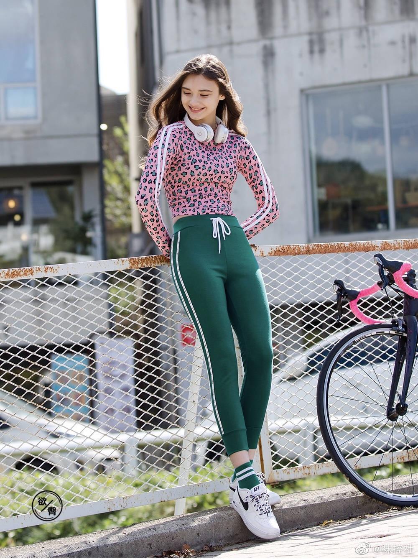【美女图片】丝袜、大长腿、coser、萝莉萌妹与欧派第十一期