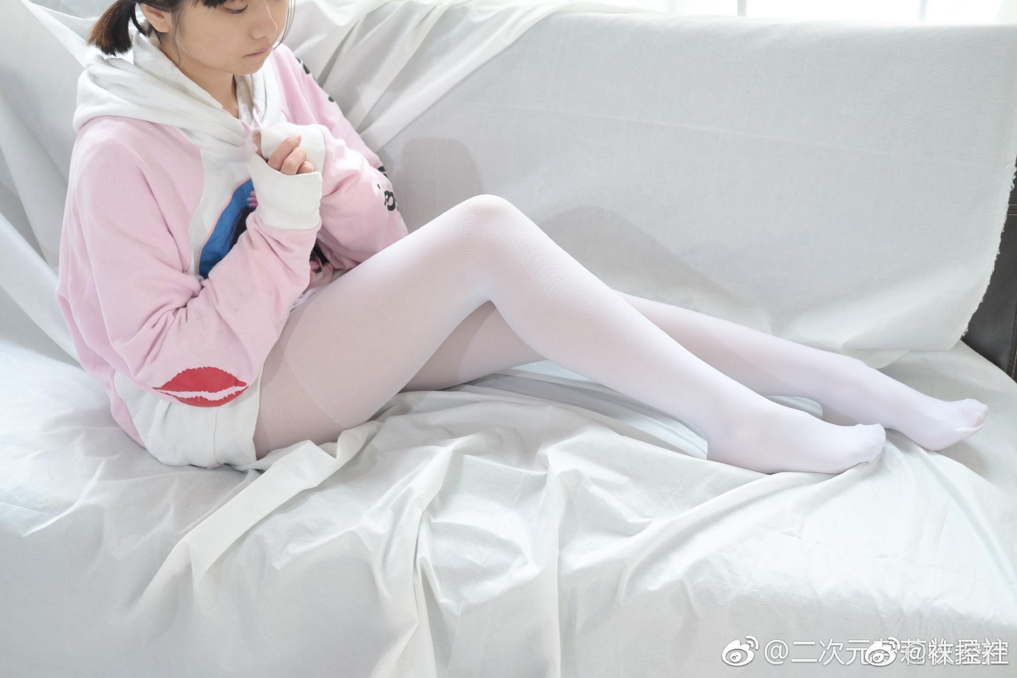【美女图片】丝袜、大长腿、coser、萝莉、萌妹与欧派写真第十四期