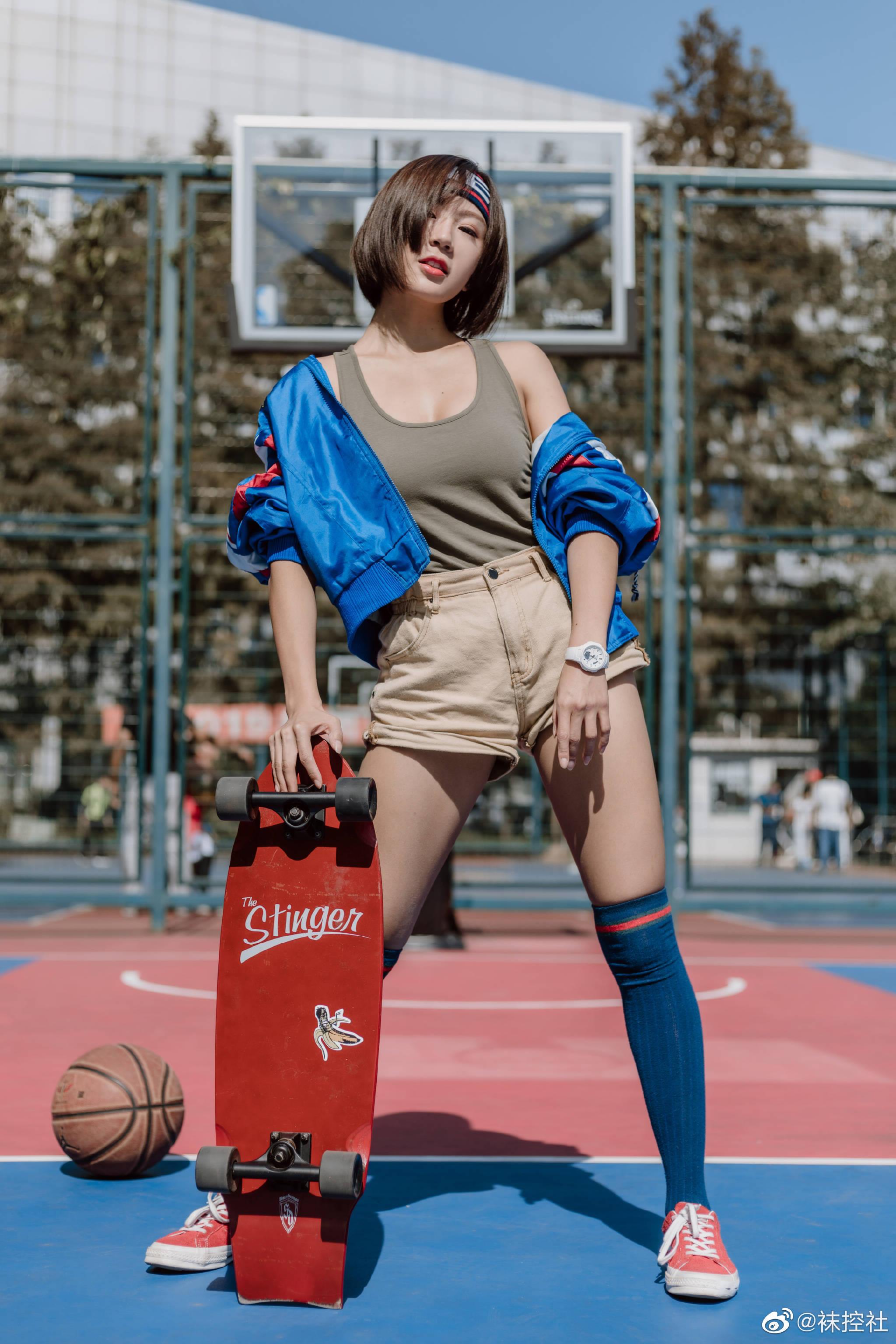 【美女图片】丝袜、大长腿、coser、萝莉、萌妹与欧派写真第十五期