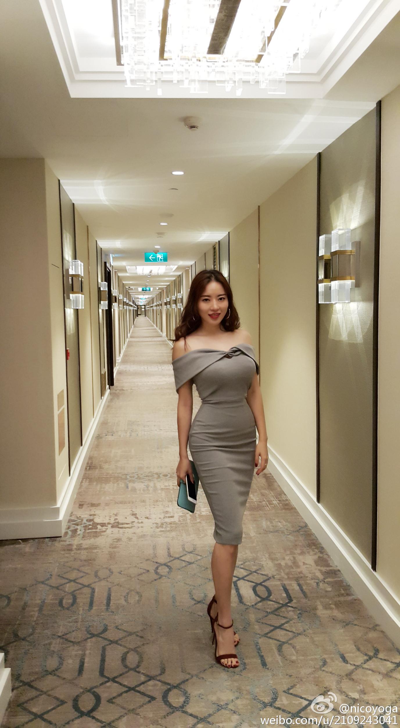 极品长发嫩模黑蕾丝情趣内衣@nico蒋娉婷 微博热搜 图19