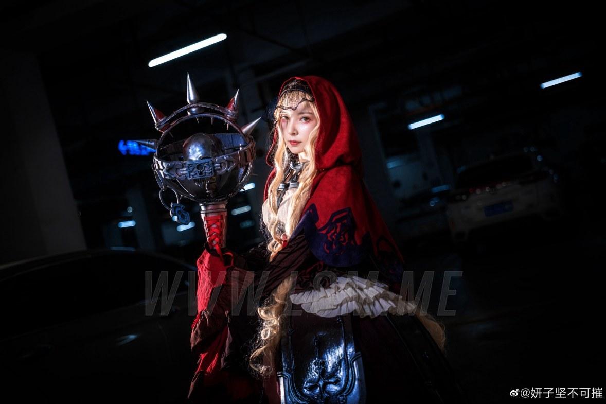 妍子坚不可摧王者荣耀女英雄紫霞皮肤和死亡爱丽丝cos图正片 在线区