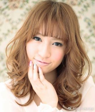 发量少的女生适合什么发型?九款时尚烫发最显丰盈 服饰潮流 图6