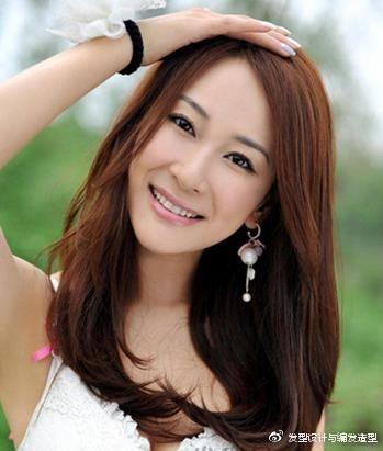 9款适合颧骨高女生的发型 浪漫卷发塑造完美脸型 时尚潮流 第9张
