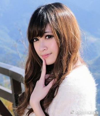 9款适合颧骨高女生的发型 浪漫卷发塑造完美脸型 时尚潮流 第6张