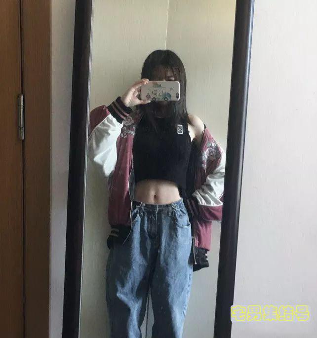 【美女图片】魔鬼身材诱惑~性感A4腰女神