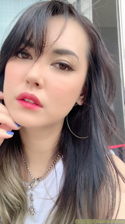 【女优资讯】小泽玛利亚回日本躲肺炎!小泽マリア要靠什么讨生活?