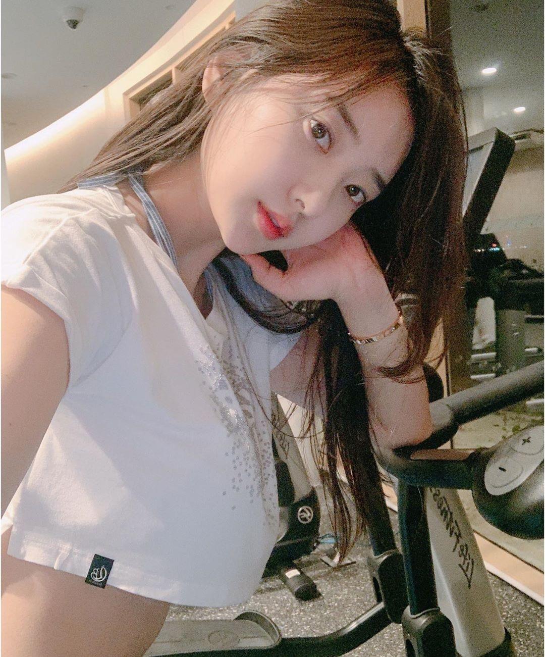 韩国网红zennyrt 我喜欢的性感小可爱