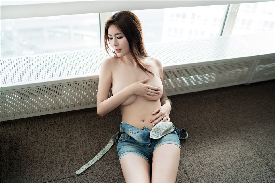 [TuiGirl推女郎]NO.72赵梦洁 黑丝长腿视图 原版[15P+1V/825M]