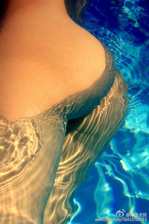 水下啪啪啪,这个屁股够翘啊