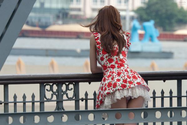 【内涵GIF第46期】骚年你在桥上看风景,看风景人在看你。