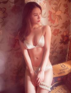 女生屁股眼里面的照片 美女服光脱看一清二楚图片