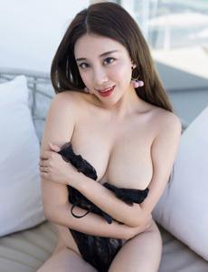 性感少妇韩恩熙半穿内衣露点写真 大胸黑