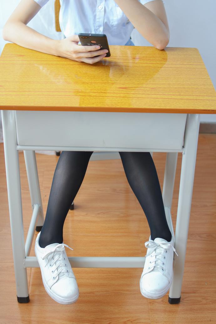 黑丝 loli 在上课呢 清纯丝袜