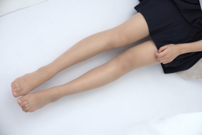 肤白的果腿小姐姐奥