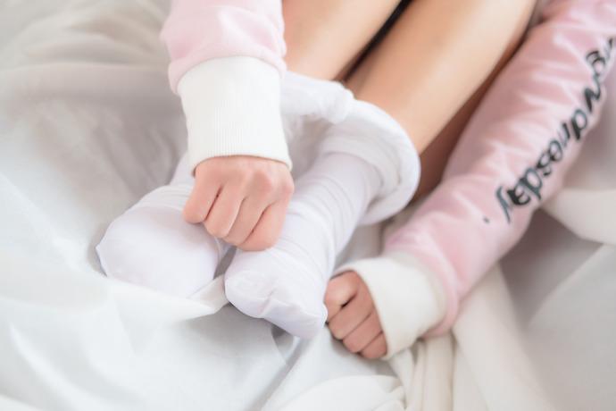 可爱小姐姐白丝足控的最爱 清纯丝袜