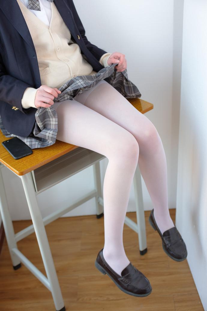 校花小姐姐专爱白丝 清纯丝袜