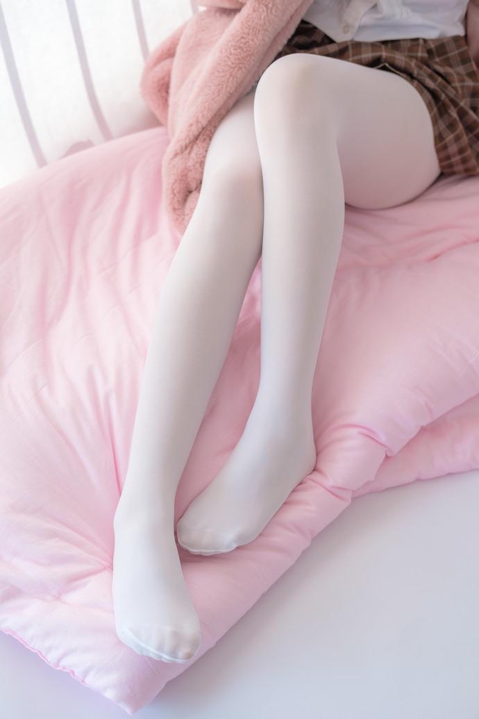 粉嫩白丝腿控小姐姐 清纯丝袜
