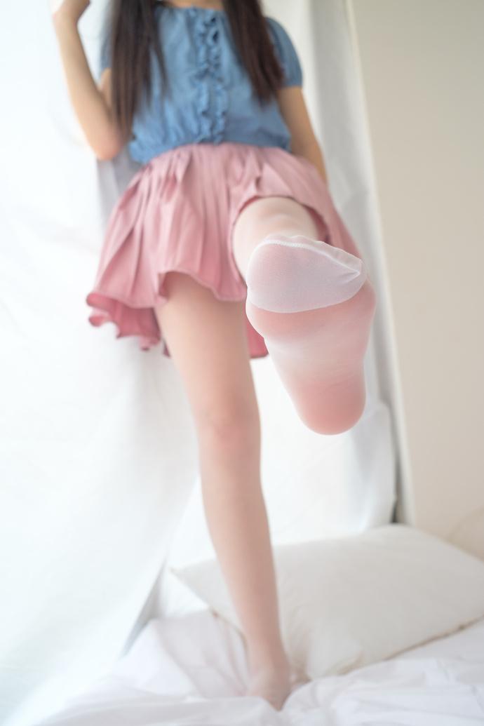 粉嫩小萝莉私房写真 清纯丝袜