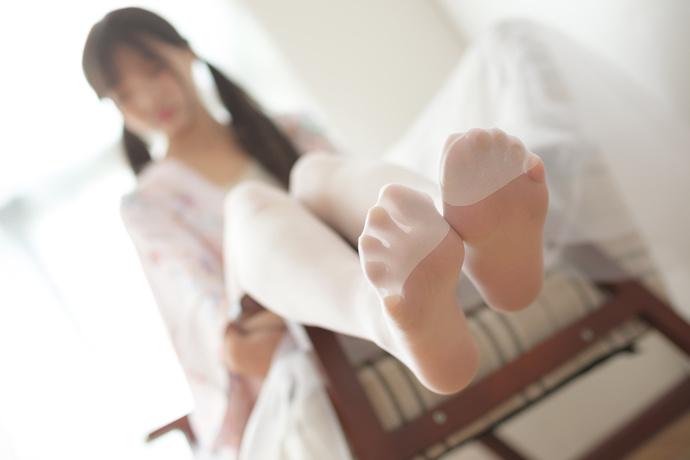 沙发白丝小萝莉 清纯丝袜